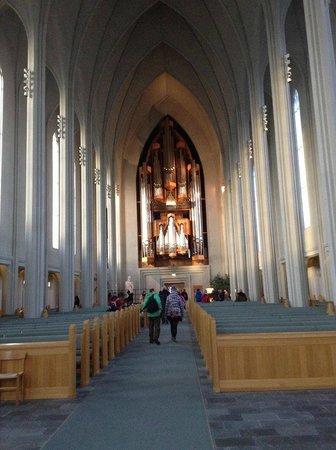 Iglesia de Hallgrímur (Hallgrimskirkja): Interior