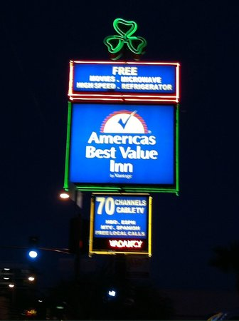 Americas Best Value Inn - Downtown Phoenix: sign for hotel