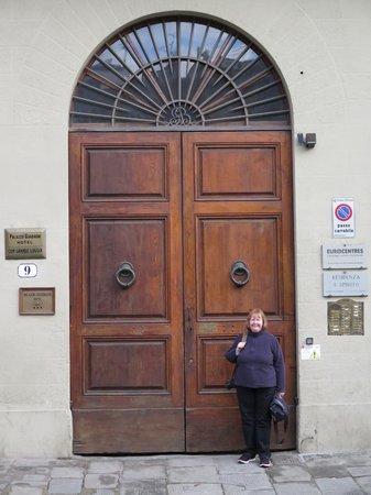 Hotel Palazzo Guadagni: My wife has shrunk!