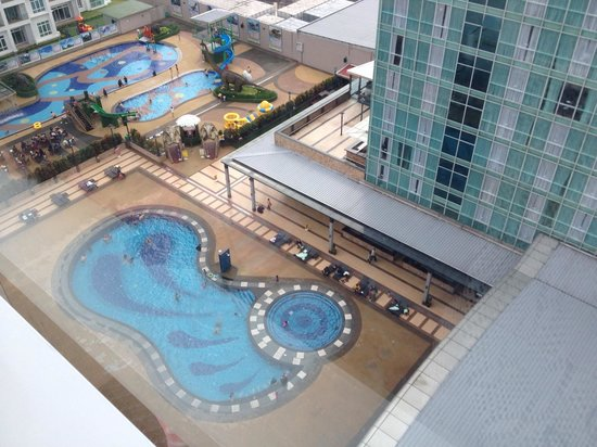 KSL Hotel & Resort: View from hotel to swimming pool area