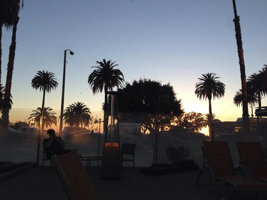 Shore Hotel: California sunset