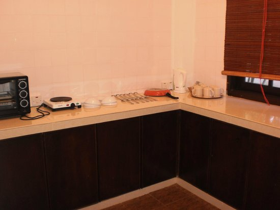 Federal Villa Beach Resort: Kitchen - 2 bed apartment, everything you need