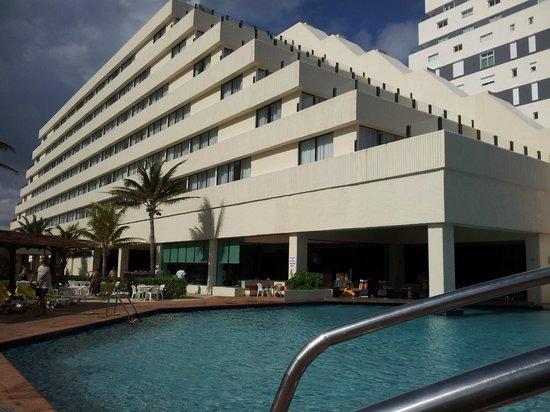 Park Royal Cancun: Uma das piscinas