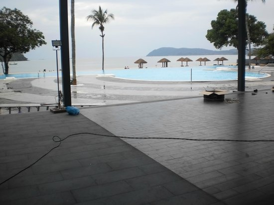 Federal Villa Beach Resort: The Infinity Pool will be lovely.