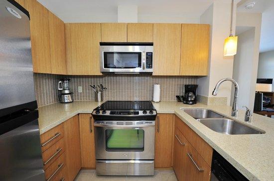 Watermark Beach Resort: Guest Suite kitchen