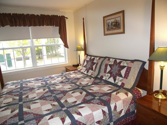 The Country Inn at Camden / Rockport : Country Inn at Camden/Rockport One King Cottage May-October