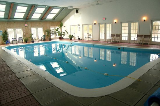 The Country Inn at Camden / Rockport : Country Inn at Camden/Rockport 20'x40' Heated Pool