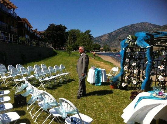 Watermark Beach Resort: Beachfront Wedding
