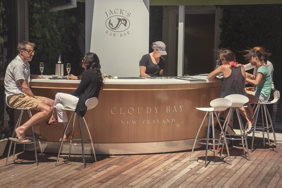 Cloudy Bay: Jacks Raw Bar - open Sundays through summer.