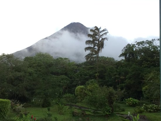 Arenal Observatory Lodge & Spa: Arenal - the view from our bedroom window!