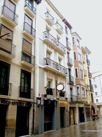 Hotel Restaurante Europa: Fachada principal del hotel.