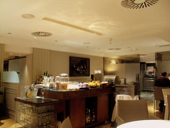 Hotel Restaurante Europa : Comedor de desayunos.