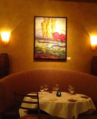 350 Main Brasserie: Corner booth