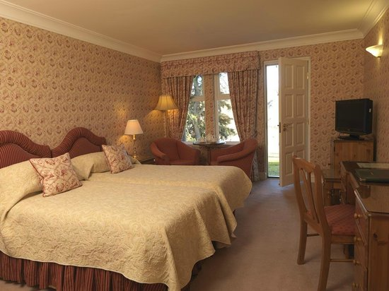 Ballathie House Hotel: River side with Pine furniture