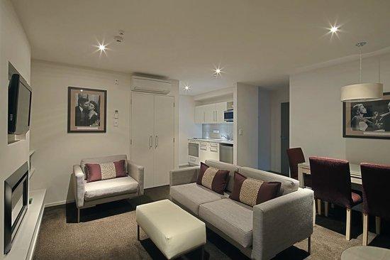 Century Park Motor Lodge: Two Bedroom Suite