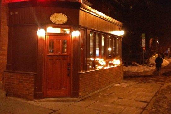 Chez Lucien: The front door
