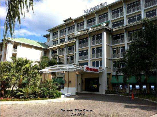 Sheraton Bijao Beach Resort : Front of hotel