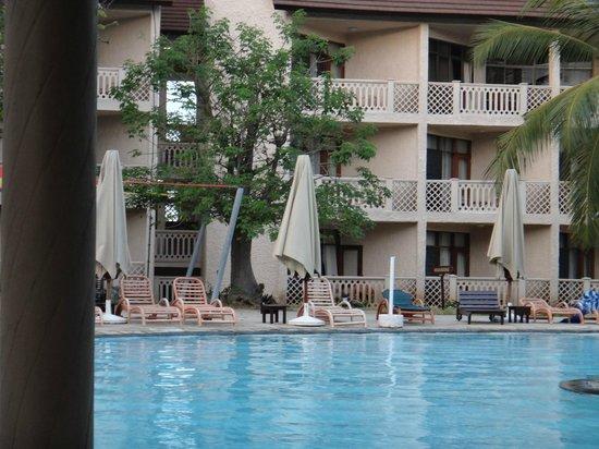Amani Tiwi Beach Resort: BAOBAB / ROOMS