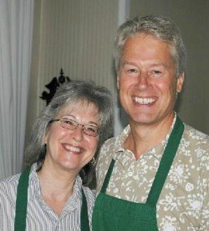 Americus Garden Inn Bed & Breakfast: Americus Garden Inn Bed and Breakfast Innkeepers - Susan and Kim