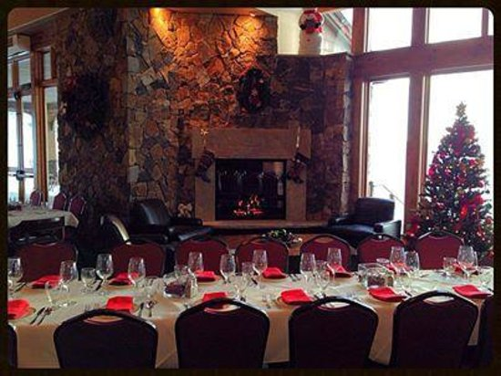 Haymaker Golf Course: A festive clubhouse welcomes the sleigh ride guests