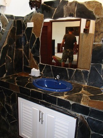 Papillon Resort : Bathroom