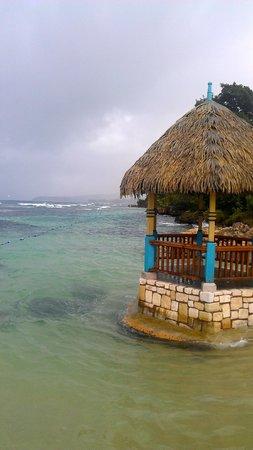 Hermosa Cove - Jamaica's Villa Hotel : Beach Gazebo