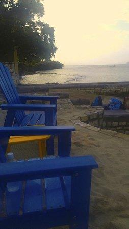 Hermosa Cove - Jamaica's Villa Hotel : Chairs on Beach