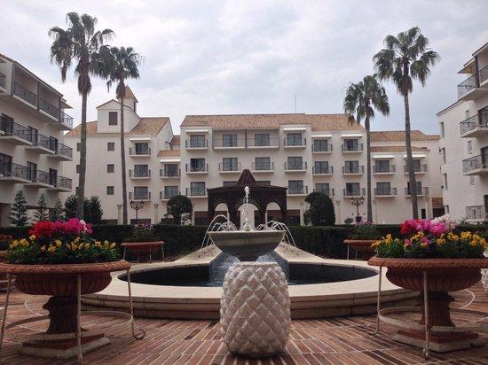 Hotel Shima Spain Mura : 綺麗な中庭