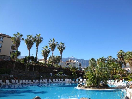 Hotel Puerto Palace : Der Teide in seiner vollen Pracht vom Hotelpool aus