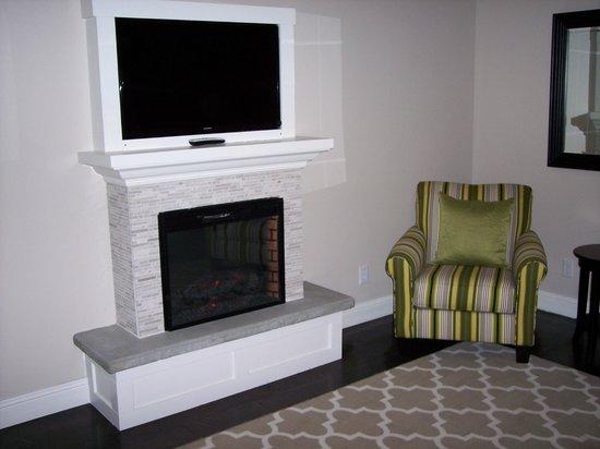 The Grand Idyllwild Lodge : Fireplace