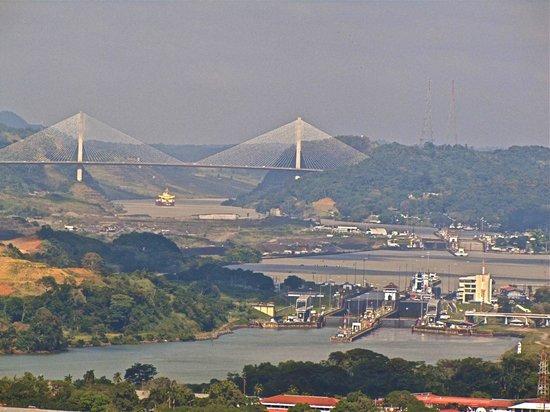 Cerro Ancón: Panama Canal: Miraflores, Pedro Migel locks, Centennial Bridge