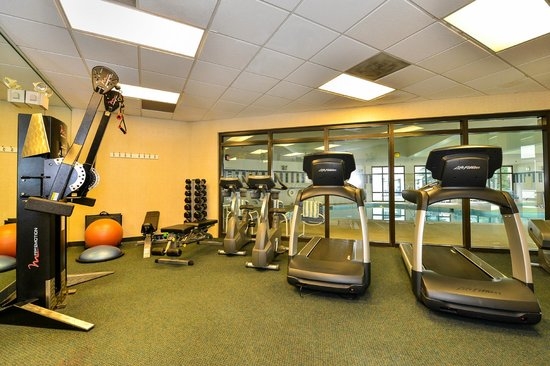 Crowne Plaza Dulles Airport Hotel: 24-Hour Fitness Center to keep with your energy