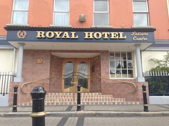 The Royal Hotel and Merrill Leisure Club: Main Entrance from street