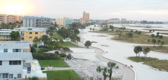 Residence Inn St. Petersburg Treasure Island: TI beach walkway; suite view