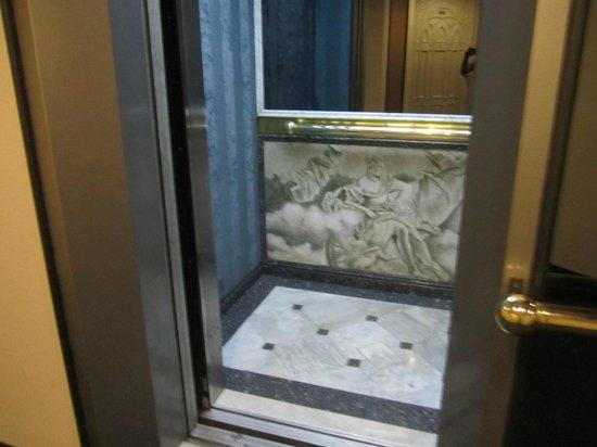 Hotel Century Zona Rosa Mexico : Elevator