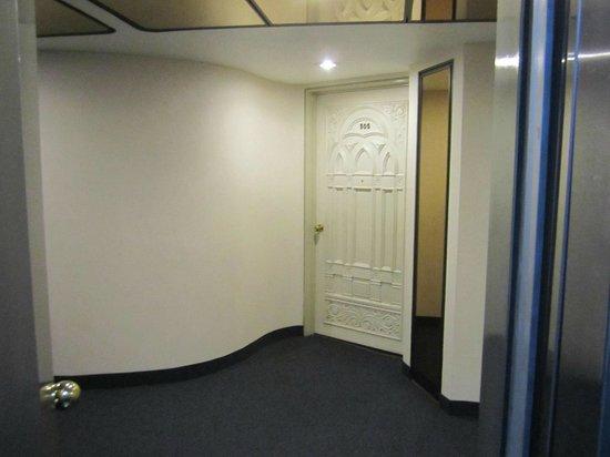 Hotel Century Zona Rosa Mexico : hallway