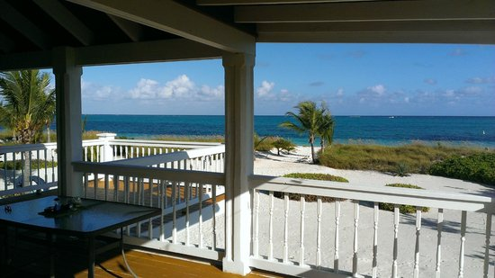 Aquamarine Beach Houses : dining table on a great covered porch