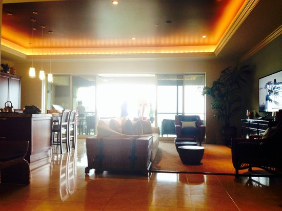 Ho'olei at Grand Wailea: From front entrance