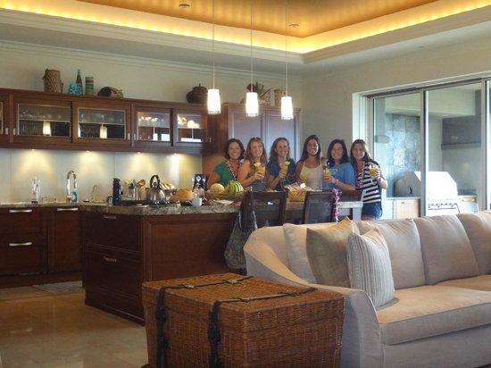 Ho'olei at Grand Wailea: Kitchen - Great Room