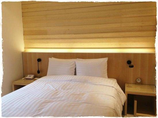 Grammos Hotel : ベッド。ダブルです