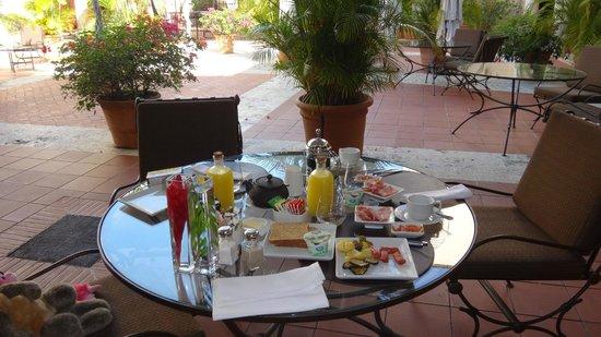 Hodelpa Nicolas de Ovando : breakfast
