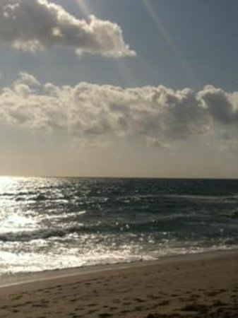 Residence Inn Delray Beach: 5 minute walk this is what you're staring at!
