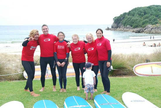 Hibiscus Surf School : An excited group