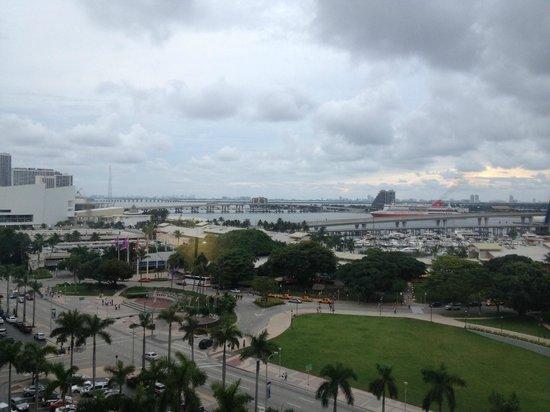 YVE Hotel Miami: Vista do apartamento para o Bayside
