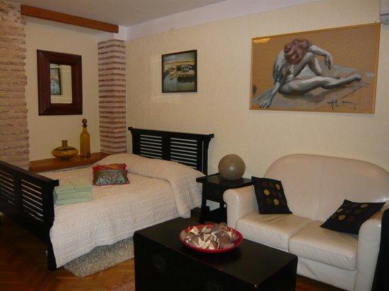 Emperor's Suites: Bedroom