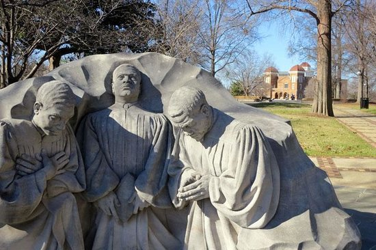 Kelly Ingram Park: statue
