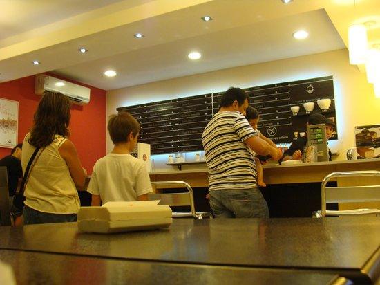 Cremolatti: Gran variedad, pero siempre hay gente.