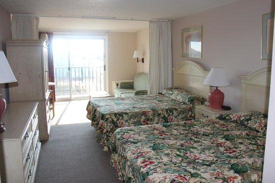 Seaside Inn: 2 QUEEN ROOM & SOFA