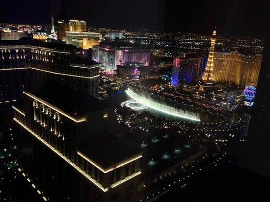 Vdara Hotel & Spa: Night View