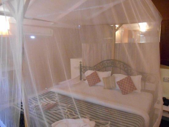 Cuba Premium Beach Huts: Bed on arrival